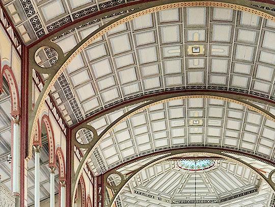 Plafond de la basilique Saint-Louis
